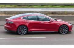 Huur 1 dag een Tesla